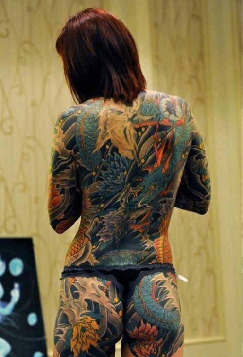ヤクザ組長の姐さんの全身タトゥー!気合の入った極道の女を御覧ください!!! 35枚 No.10