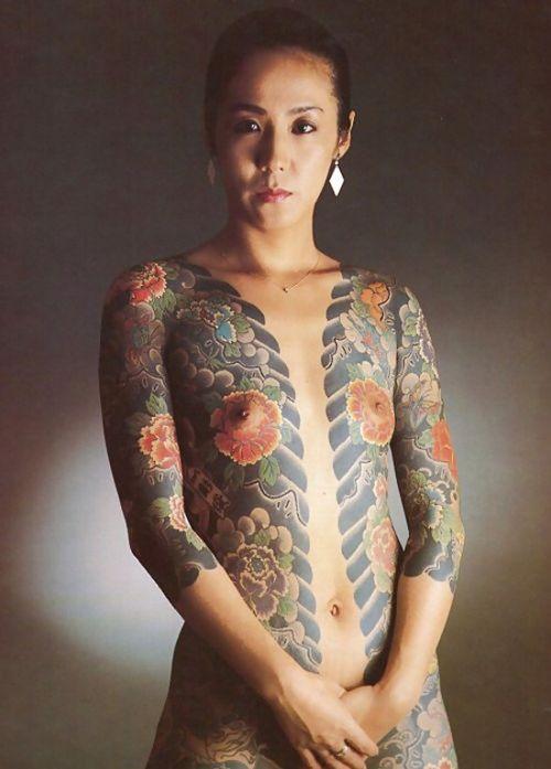 ヤクザ組長の姐さんの全身タトゥー!気合の入った極道の女を御覧ください!!! 35枚 No.19