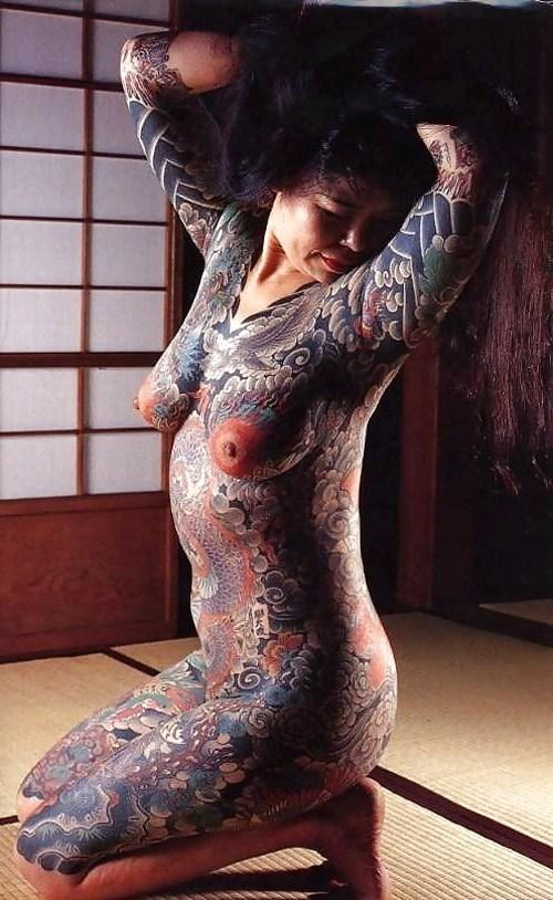 ヤクザ組長の姐さんの全身タトゥー!気合の入った極道の女を御覧ください!!! 35枚 No.21