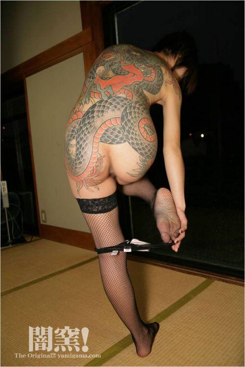 ヤクザ組長の姐さんの全身タトゥー!気合の入った極道の女を御覧ください!!! 35枚 No.35
