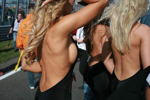 【画像】外国人キャンペーンガールがおっぱい丸出しの半裸でサービス♪サービス♪ 31枚 No.5
