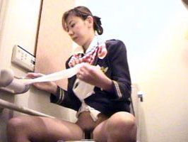 CAさんが和式トイレでM字開脚で排泄シーンを盗撮した結果www 47枚 No.35