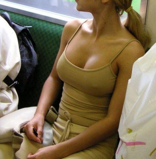 外国人はチクポチで乳首を見せるのが常識だと分かるエロ画像 34枚 No.7
