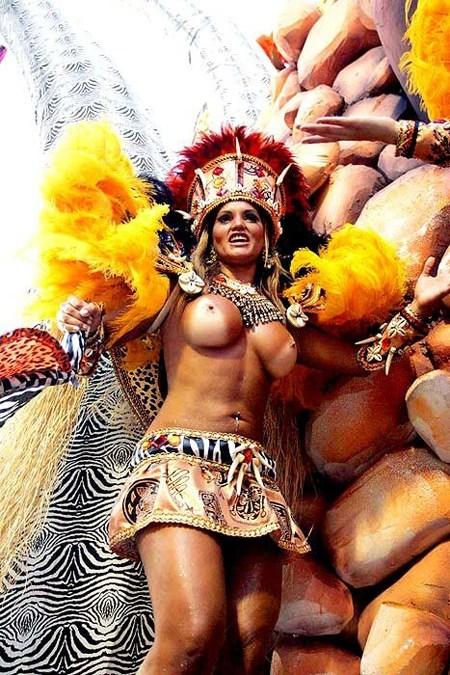 外国人がサンバカーニバルで過激におっぱいを露出しちゃうエロ画像 33枚 No.13