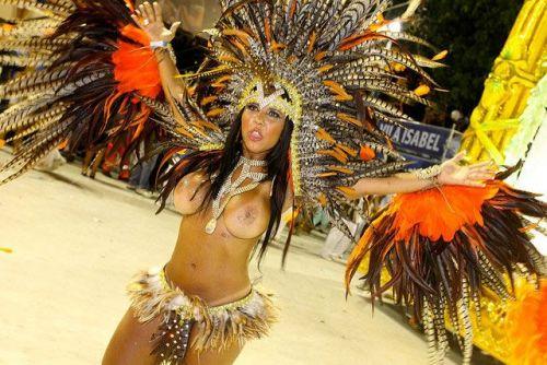 外国人がサンバカーニバルで過激におっぱいを露出しちゃうエロ画像 33枚 No.15