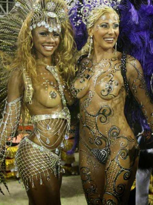 外国人がサンバカーニバルで過激におっぱいを露出しちゃうエロ画像 33枚 No.16