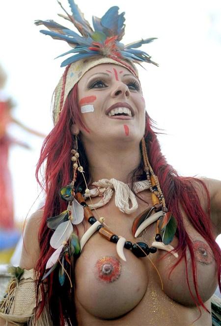 外国人がサンバカーニバルで過激におっぱいを露出しちゃうエロ画像 33枚 No.18