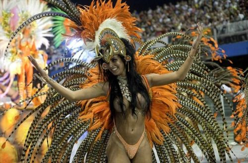 外国人がサンバカーニバルで過激におっぱいを露出しちゃうエロ画像 33枚 No.22