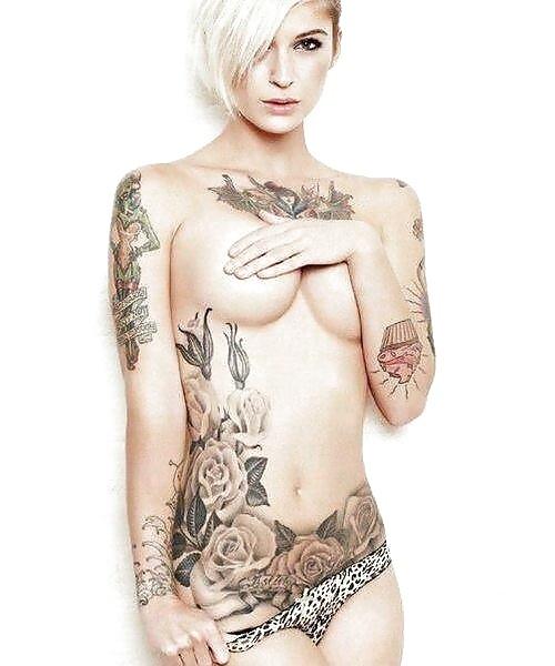 白人女性の刺青・タトゥーの洋柄や花柄が美しいエロ画像まとめ 33枚 No.14