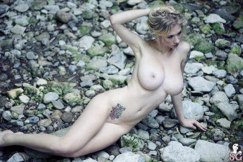白人女性の刺青・タトゥーの洋柄や花柄が美しいエロ画像まとめ 33枚 No.10