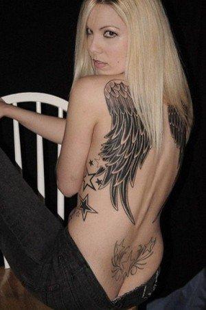 白人女性の刺青・タトゥーの洋柄や花柄が美しいエロ画像まとめ 33枚 No.17