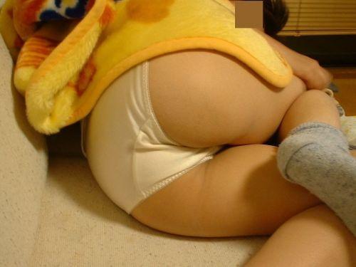 【画像】家の中で下着姿のまま寝てる彼女を盗撮した結果www 35枚 No.21