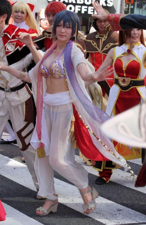 【エロ画像】日本人でもサンバ衣装なら人前で過激に露出しちゃう件ww 38枚 No.5