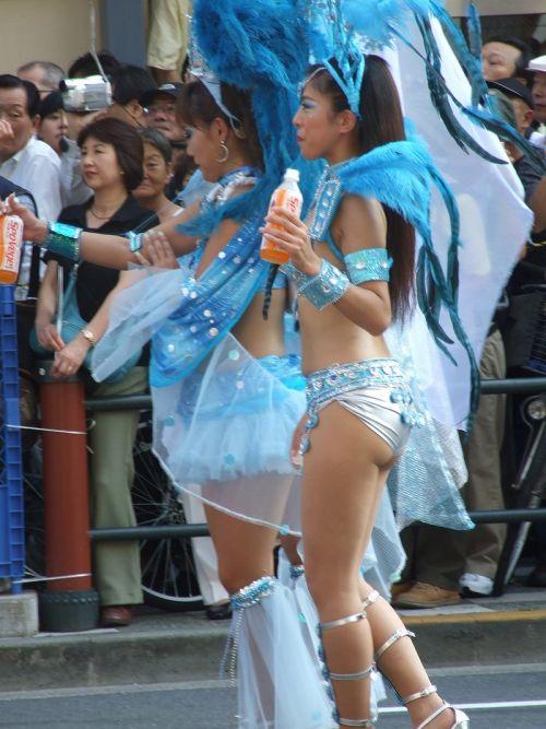 【エロ画像】日本人でもサンバ衣装なら人前で過激に露出しちゃう件ww 38枚 No.14