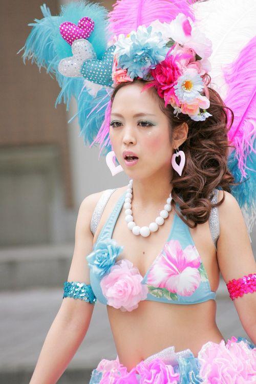 【エロ画像】日本人でもサンバ衣装なら人前で過激に露出しちゃう件ww 38枚 No.15
