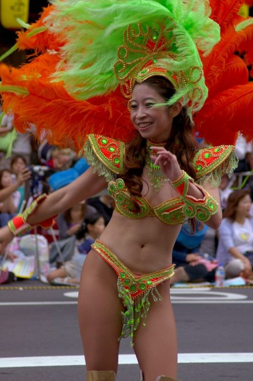 【画像】外国人のサンバカーニバルの太ももとお尻がデカくてエロ杉内www 33枚 No.31