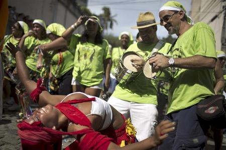 【画像】外国人のサンバカーニバルの太ももとお尻がデカくてエロ杉内www 33枚 No.33