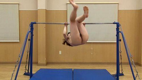 【全裸スポーツ】おっぱいマンコ丸出しでスポーツする女子アスリートwww 36枚 No.4