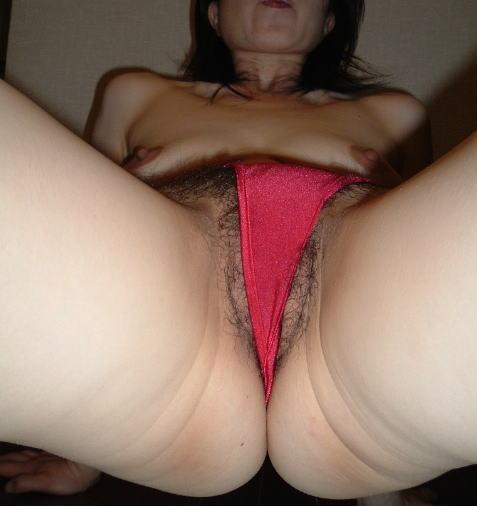情熱的な赤い下着で濃厚なセックスへ誘う熟女・人妻のエロ画像 37枚 No.8