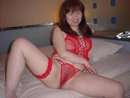 情熱的な赤い下着で濃厚なセックスへ誘う熟女・人妻のエロ画像 37枚 No.13