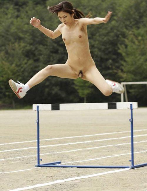 女子アスリートが引き締まった肉体で全裸スポーツしてるエロ画像! 31枚 No.5