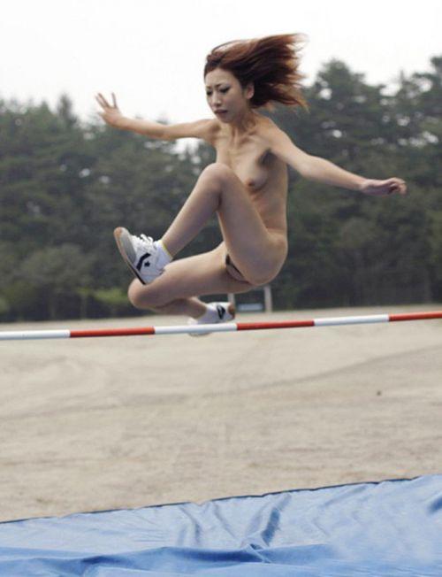 女子アスリートが引き締まった肉体で全裸スポーツしてるエロ画像! 31枚 No.14