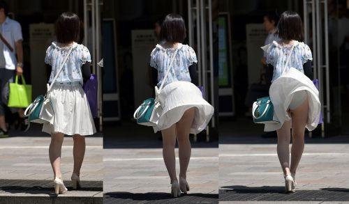 強風で舞い上がるスカートでめくれ上がる風パンチラのエロ画像 35枚 No.2