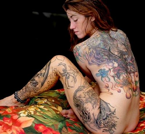 背中に刺青・タトゥーを大胆に入れちゃう外国人美女達のエロ画像 45枚 No.8