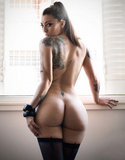 背中に刺青・タトゥーを大胆に入れちゃう外国人美女達のエロ画像 45枚 No.17