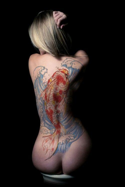 背中に刺青・タトゥーを大胆に入れちゃう外国人美女達のエロ画像 45枚 No.24