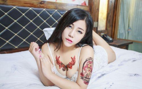 刺青を入れた女の子の股間やおっぱいにムラムラしちゃうエロ画像 34枚 No.17