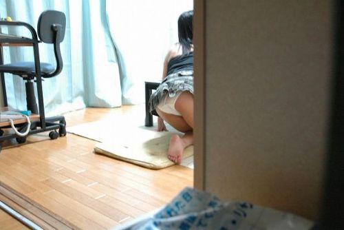 【画像】これはアカン!家で過ごす妹や姉の格好がエロ過ぎてツライ! 34枚 No.20