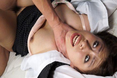 首を絞めるとオマンコがキュっと締まると噂の首絞めセックスのエロ画像 42枚 No.4