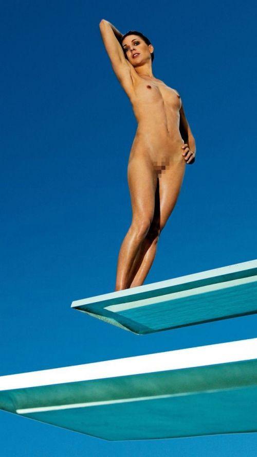 【画像】全裸でスポーツする外国人女性がグラマラスでエロ過ぎwww 37枚 No.3