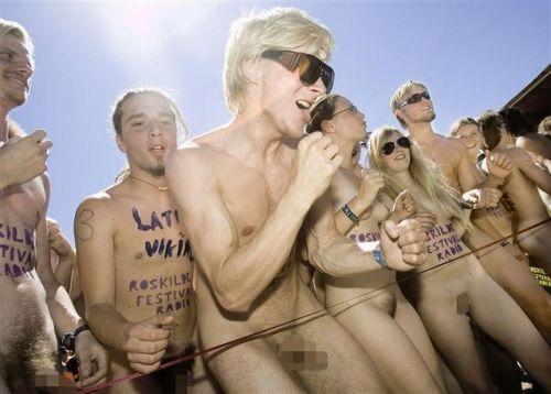 【画像】全裸でスポーツする外国人女性がグラマラスでエロ過ぎwww 37枚 No.5