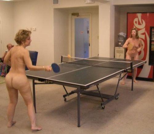 【画像】全裸でスポーツする外国人女性がグラマラスでエロ過ぎwww 37枚 No.10