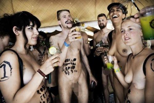 【画像】全裸でスポーツする外国人女性がグラマラスでエロ過ぎwww 37枚 No.11