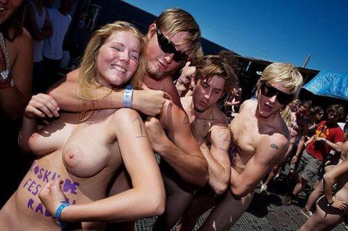 【画像】全裸でスポーツする外国人女性がグラマラスでエロ過ぎwww 37枚 No.13