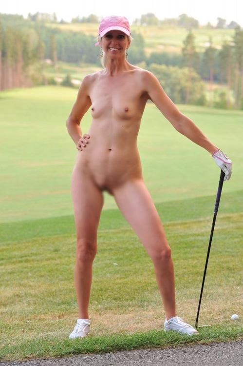 【画像】全裸でスポーツする外国人女性がグラマラスでエロ過ぎwww 37枚 No.19