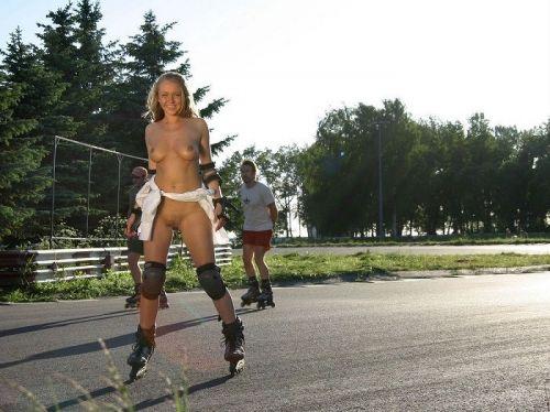 【画像】全裸でスポーツする外国人女性がグラマラスでエロ過ぎwww 37枚 No.30