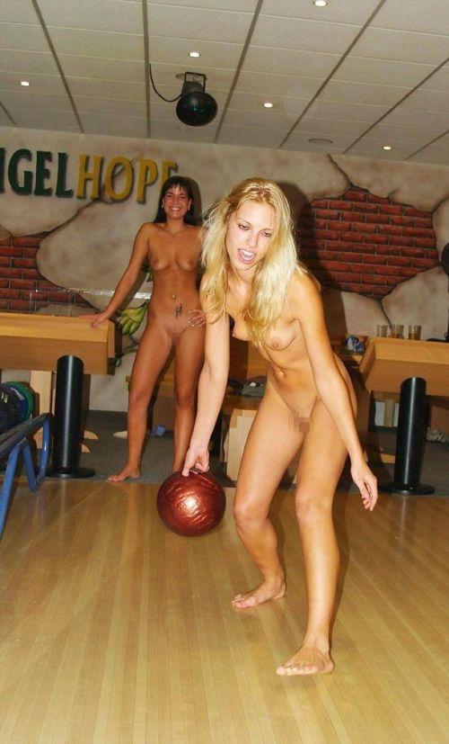 【画像】全裸でスポーツする外国人女性がグラマラスでエロ過ぎwww 37枚 No.31