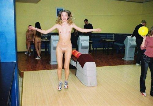 【画像】全裸でスポーツする外国人女性がグラマラスでエロ過ぎwww 37枚 No.36