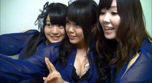 AKB48メンバーの胸チラにムラムラしちゃうお宝エロ画像まとめ 34枚 No.10