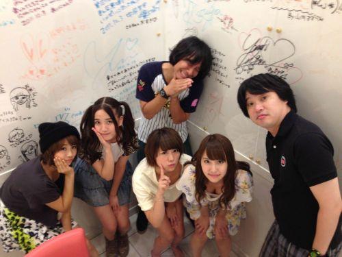 AKB48メンバーの胸チラにムラムラしちゃうお宝エロ画像まとめ 34枚 No.23