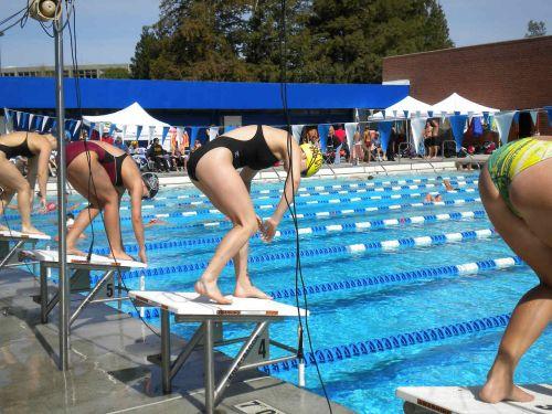 競泳水着の女子選手が飛び込む瞬間のケツと股間がエロすぎwww 32枚 No.12