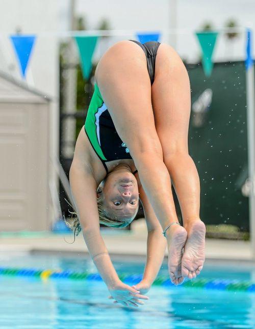 競泳水着の女子選手が飛び込む瞬間のケツと股間がエロすぎwww 32枚 No.23