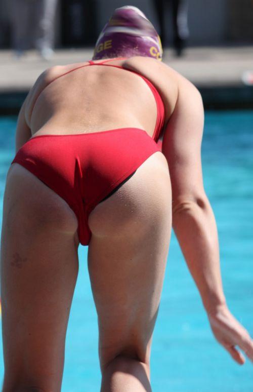 競泳水着の女子選手が飛び込む瞬間のケツと股間がエロすぎwww 32枚 No.26