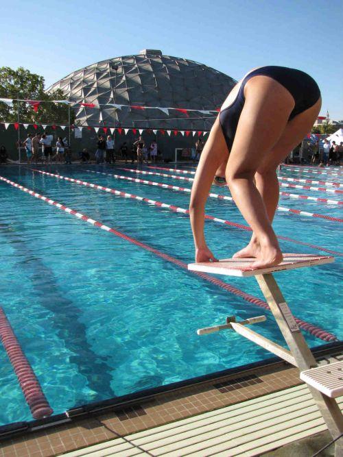競泳水着の女子選手が飛び込む瞬間のケツと股間がエロすぎwww 32枚 No.29