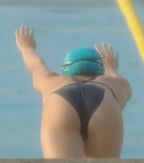 競泳水着の女子選手が飛び込む瞬間のケツと股間がエロすぎwww 32枚 No.30