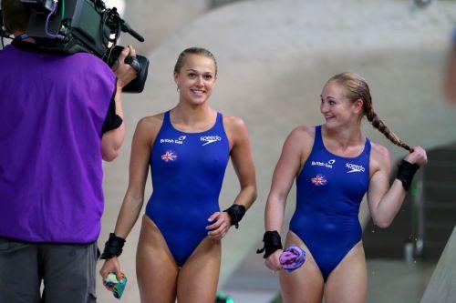 ガチ競泳女子選手の肩幅のデカさや逆三角形の脇肉にムラムラするエロ画像 33枚 No.2